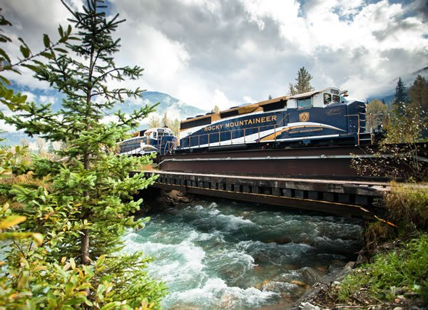 Tours of the Rocky Mountains In Canada